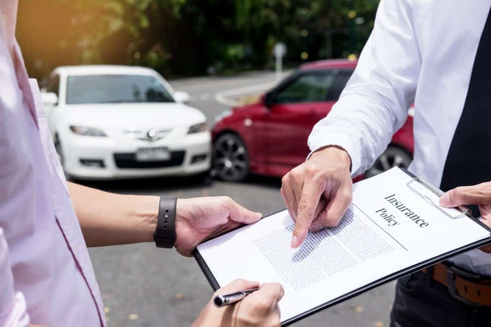 When and why should you hire an attorney after an accident ?